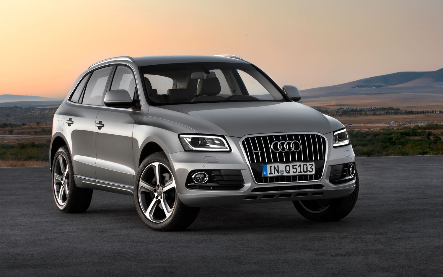2013 Audi Q5 Right Front2