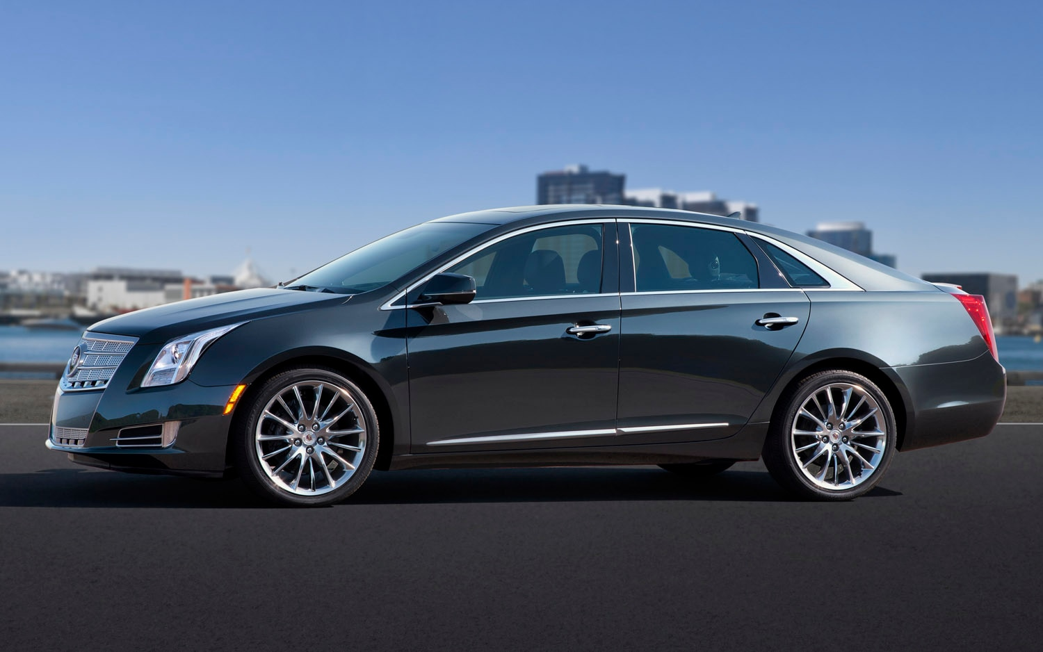 2013 Cadillac XTS Left Side View1