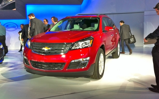 2013 Chevrolet Traverse Front Three Quarter Live1 660x413
