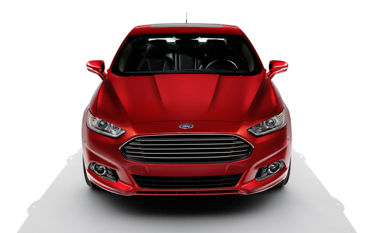 2013 Ford Fusion Front View1