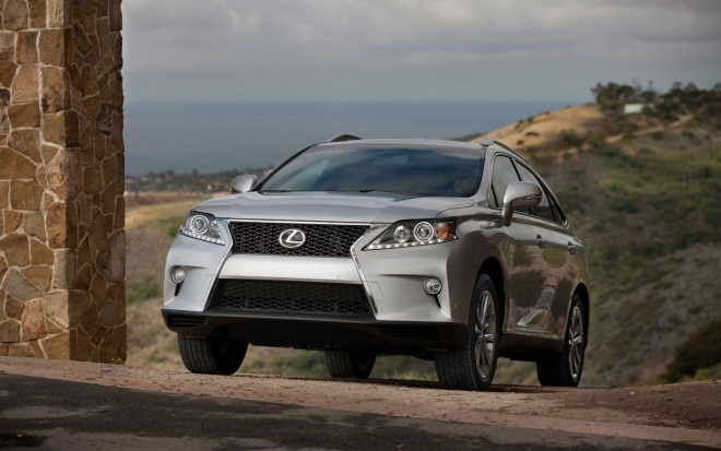 2013 Lexus RX 350 FSPORT Silver Front Three Quarter1 660x413