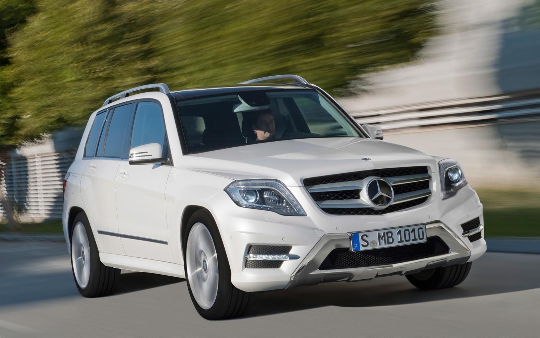 2013 Mercedes Benz GLK Class Front Three Quarter 21