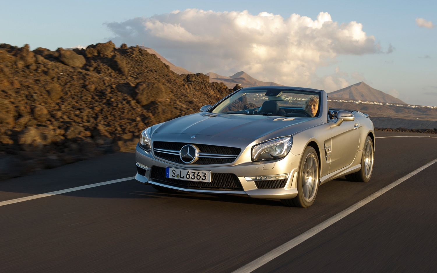 2013 Mercedes Benz SL63 AMG Front Left View2