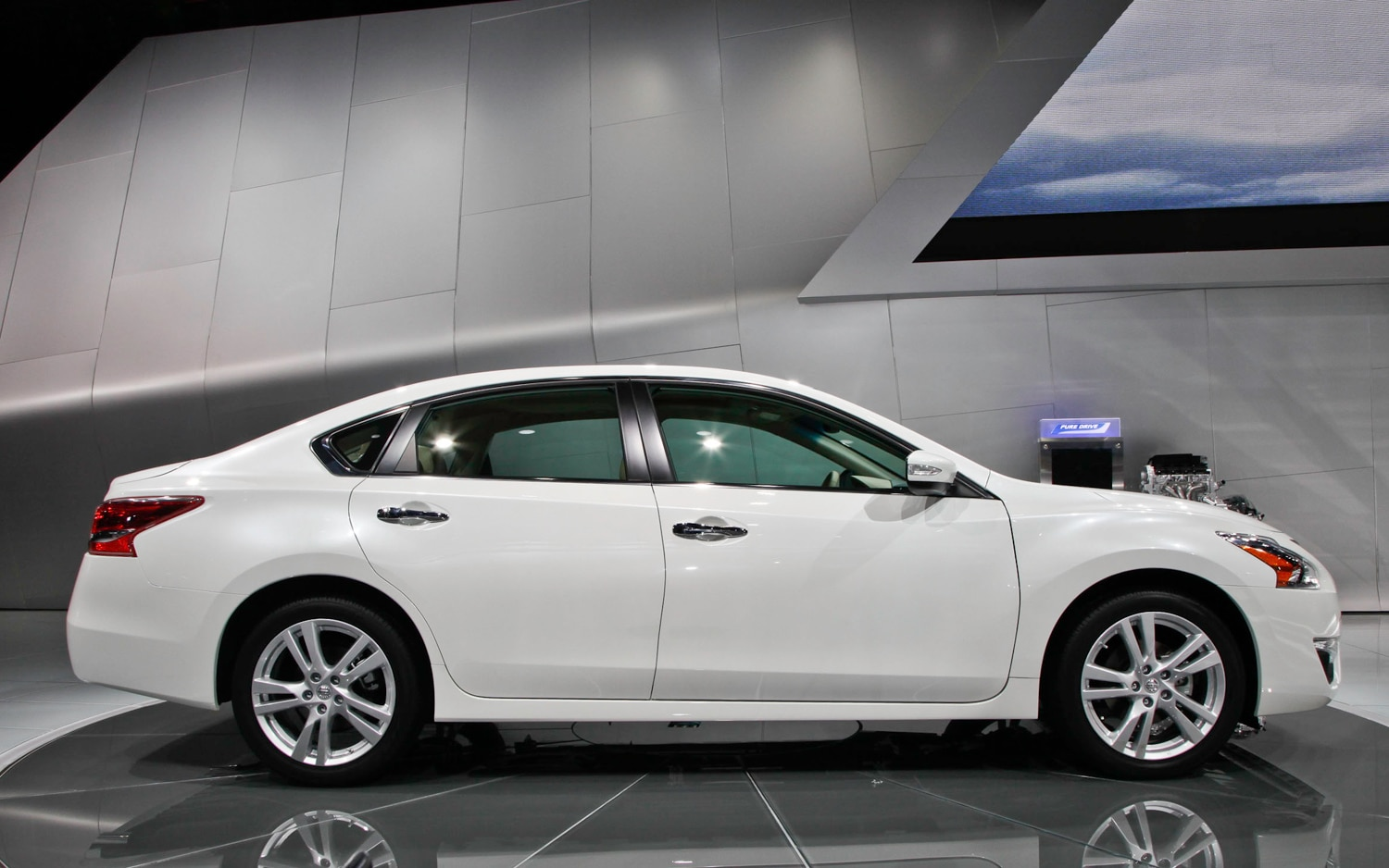 2013 Nissan Altima Right Side1