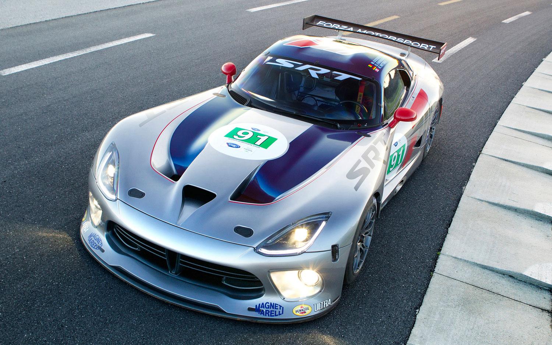 2013 SRT Viper GTS R Front View1