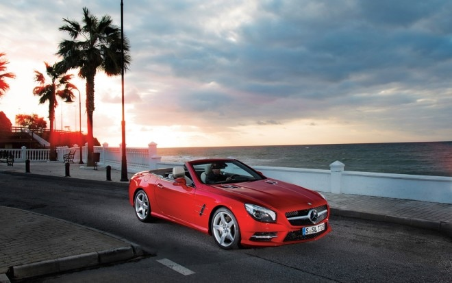 2013 Mercedes Benz SL550 Front Right Side View1 660x413
