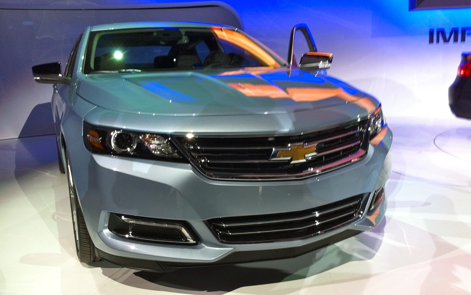 new york 2012 chevrolet unveils aggressive 2014 impala. Black Bedroom Furniture Sets. Home Design Ideas