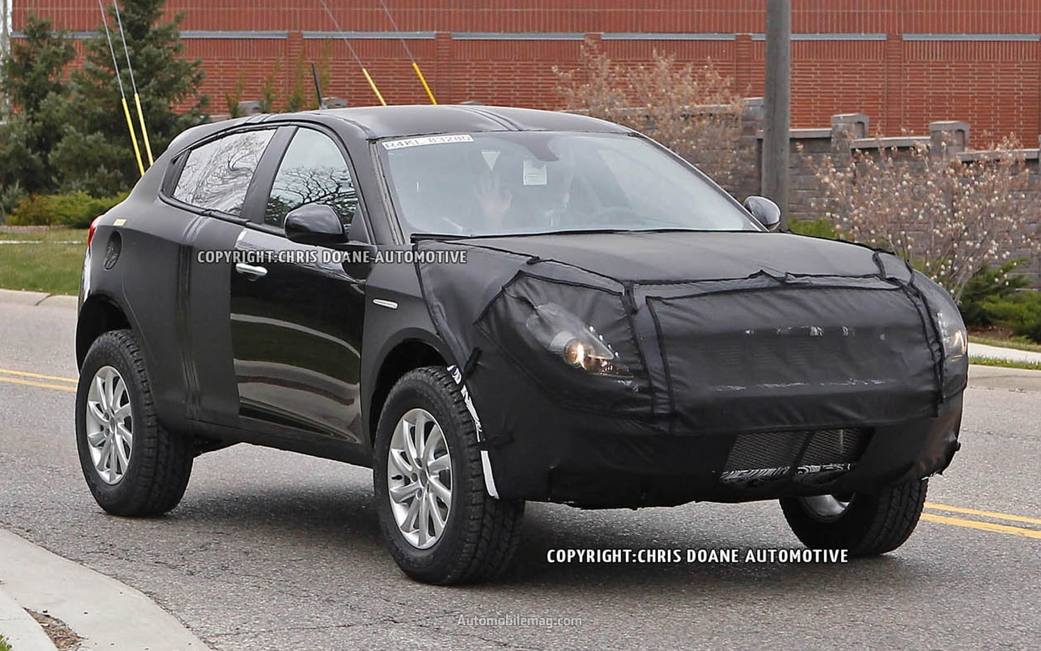 2014 Jeep Liberty Spied Front Three Quarter 21