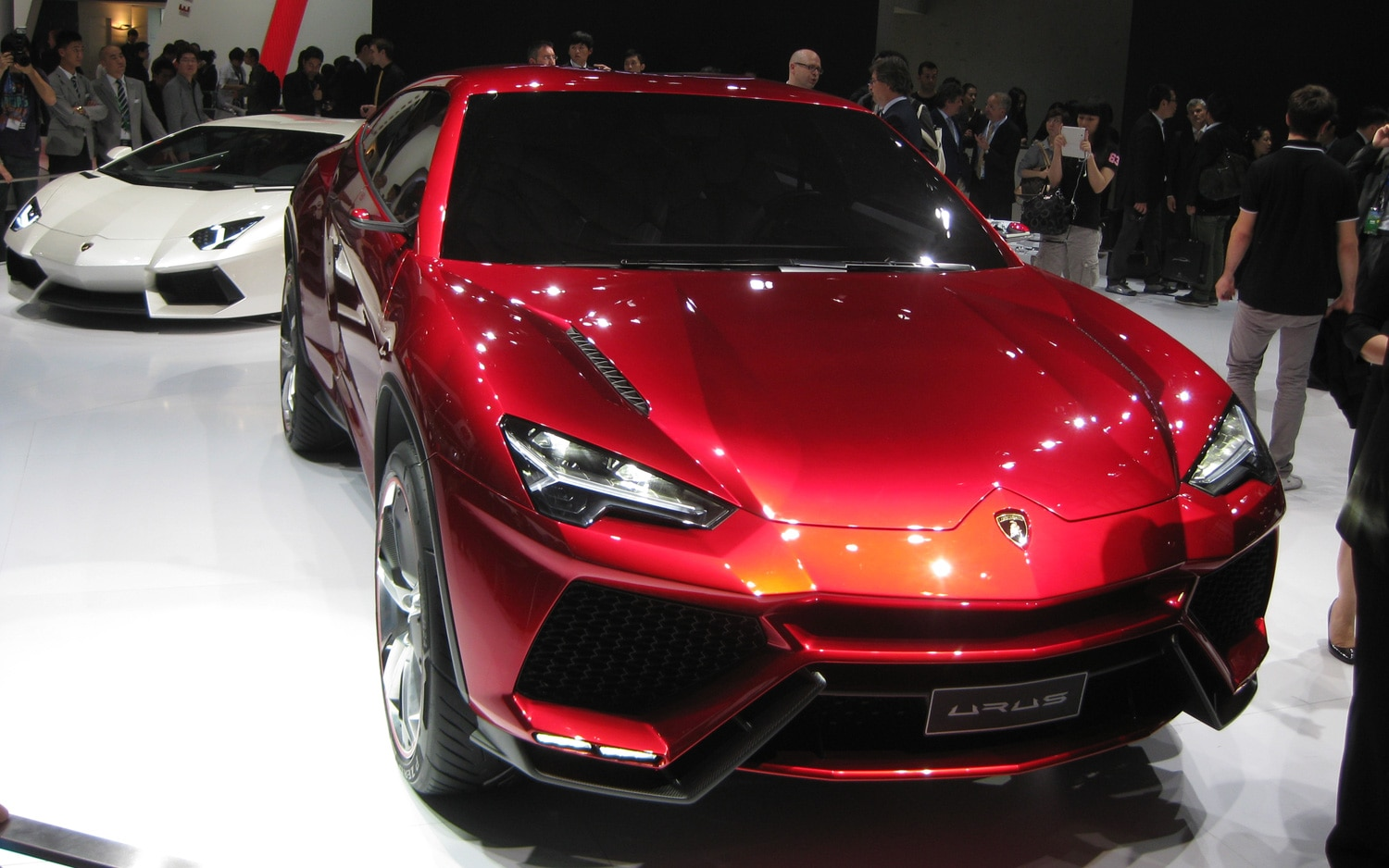 beijing 2012 lamborghini urus suv concept debuts to cheers and applause. Black Bedroom Furniture Sets. Home Design Ideas