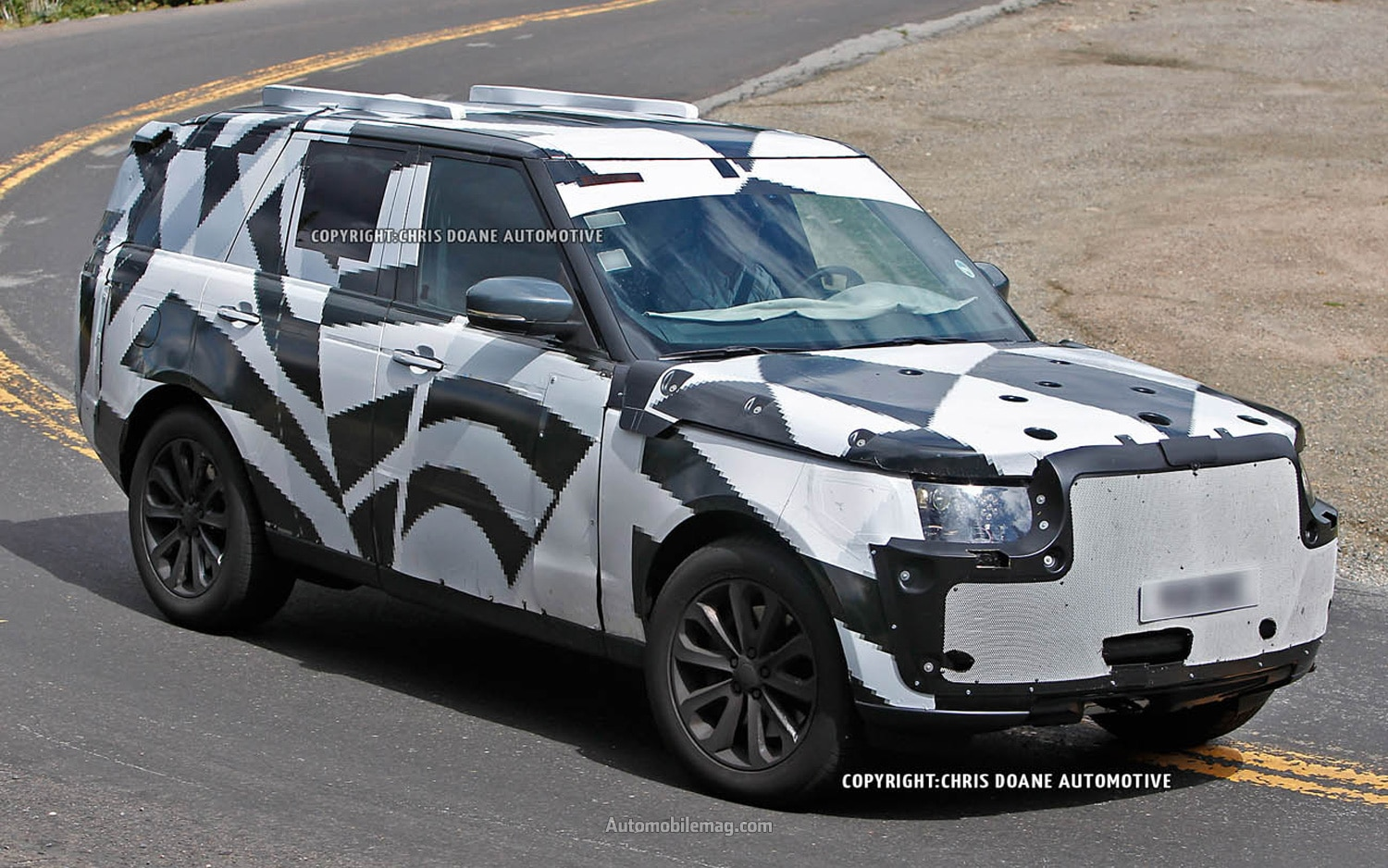 Land Rover Range Rover Spied Front Three Quarter 21