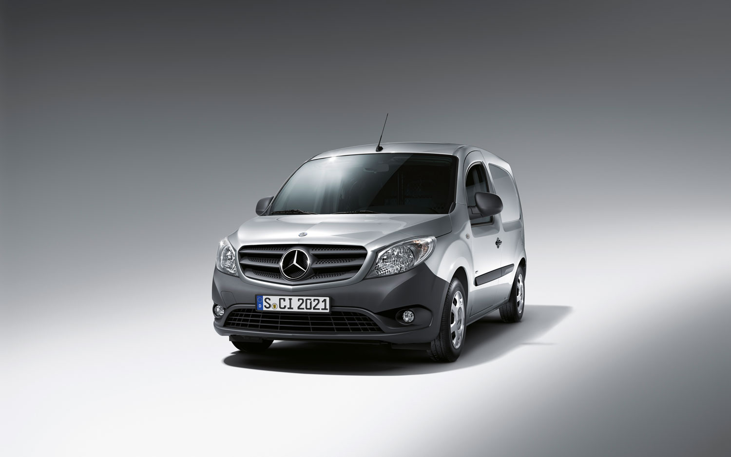 small titan mercedes benz citan commercial van shows its face. Black Bedroom Furniture Sets. Home Design Ideas