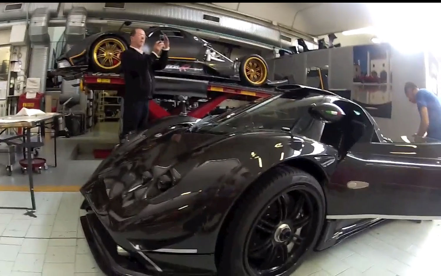 Pagani Zonda 760 RS Left Front Video 11