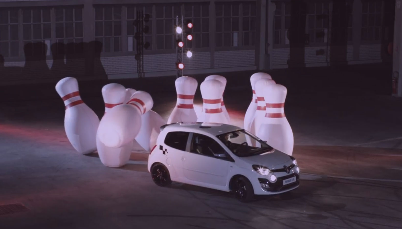Renault Twingo RS Knocks Bowling Pins Over1
