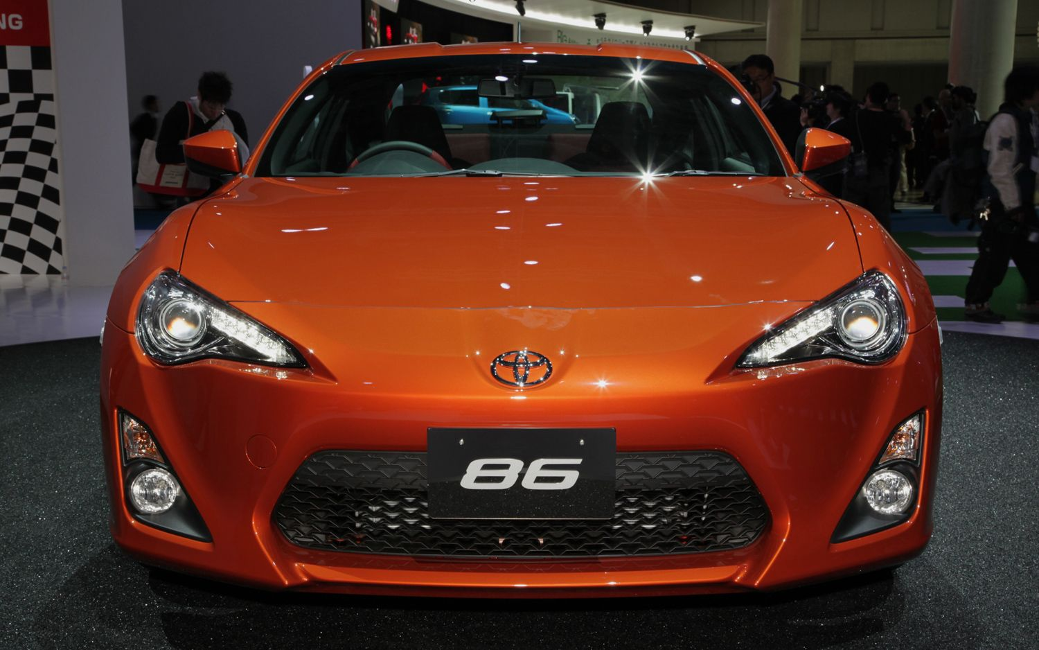 feature flick toyota 86 does it right destroys tires. Black Bedroom Furniture Sets. Home Design Ideas