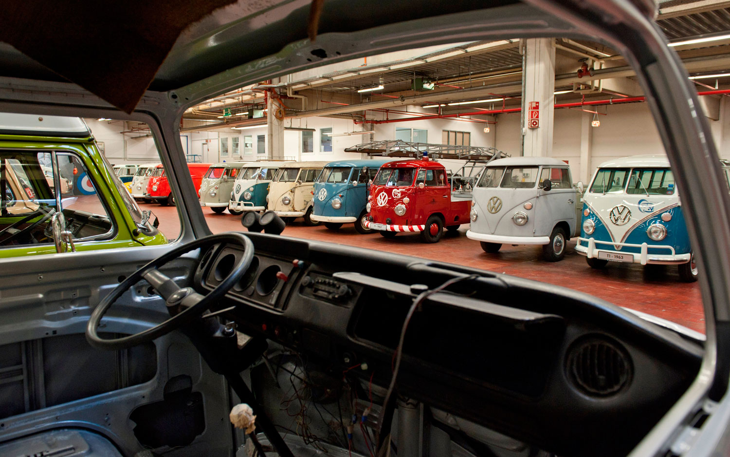 Rebuild my bus volkswagen launches factory restoration for Garage vw illkirch
