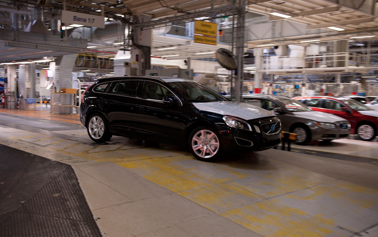 Volvo V60 In Factory1