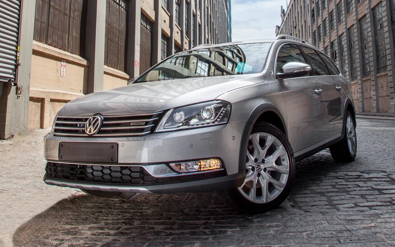 Volkswagen Alltrack Concept Front Left View1