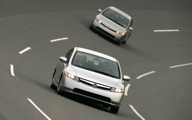2006 Honda Civic Hybrid Front1 660x413