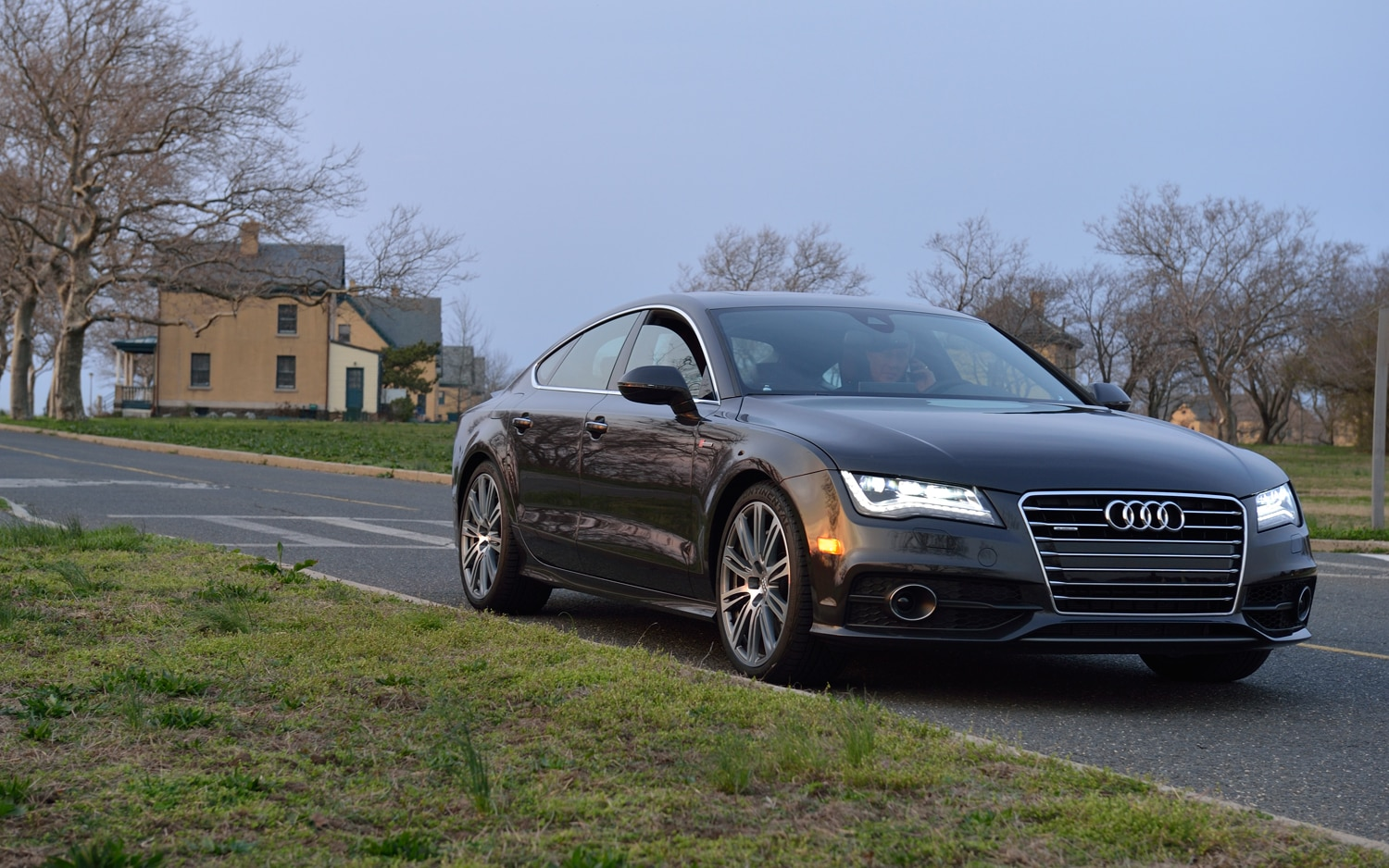 2012 Audi A7 Front Right View1