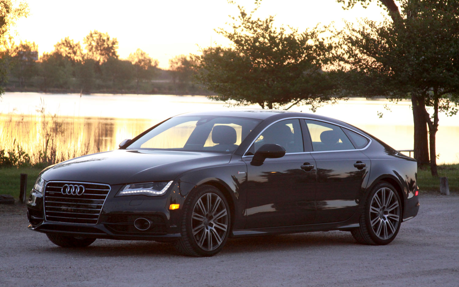 2012 Audi A7 Front Three Quarter Sunset1