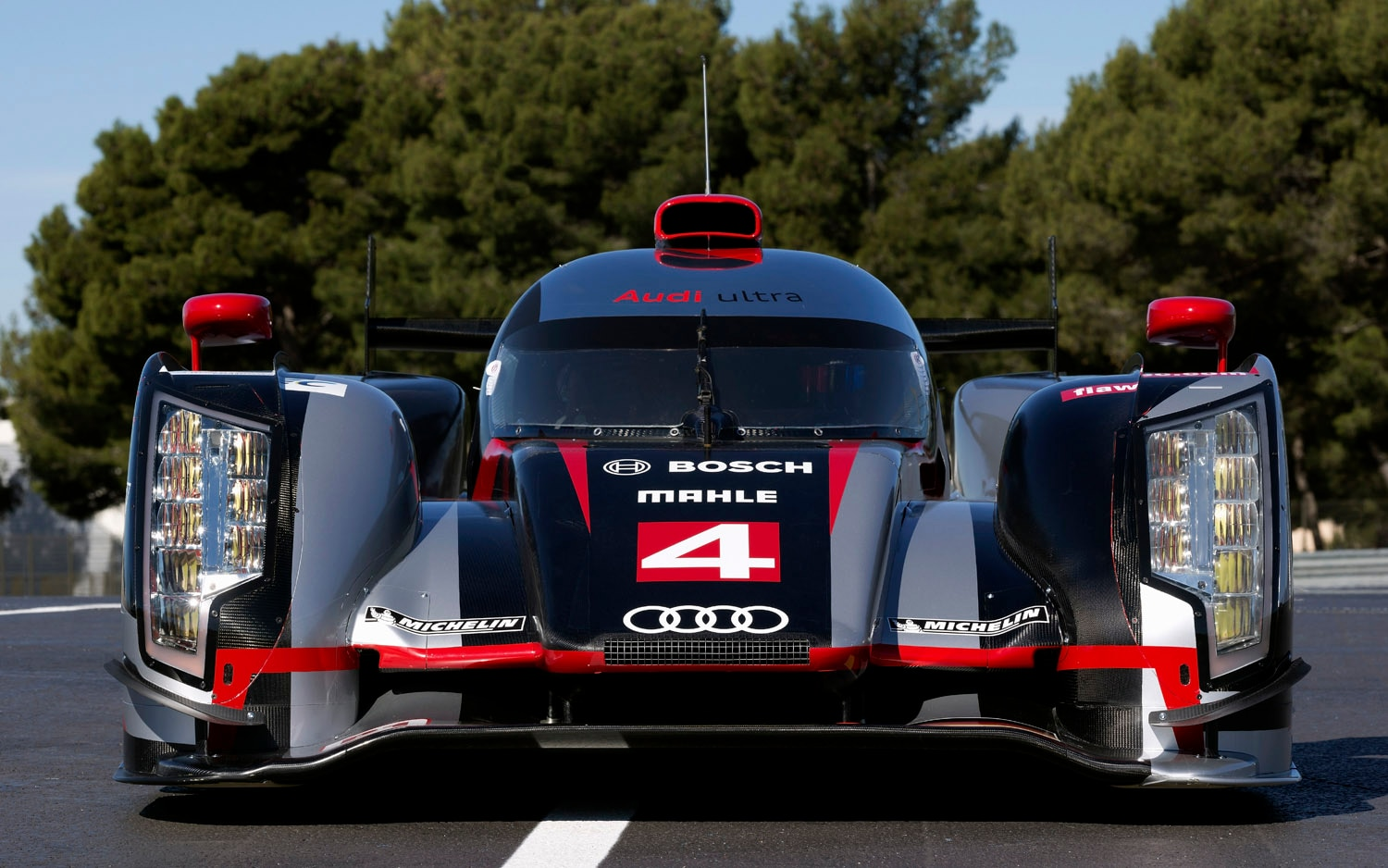 2012 Audi R18 Ultra Front View1