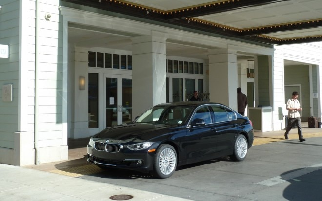 2012 BMW 328i Front Left View1 660x413