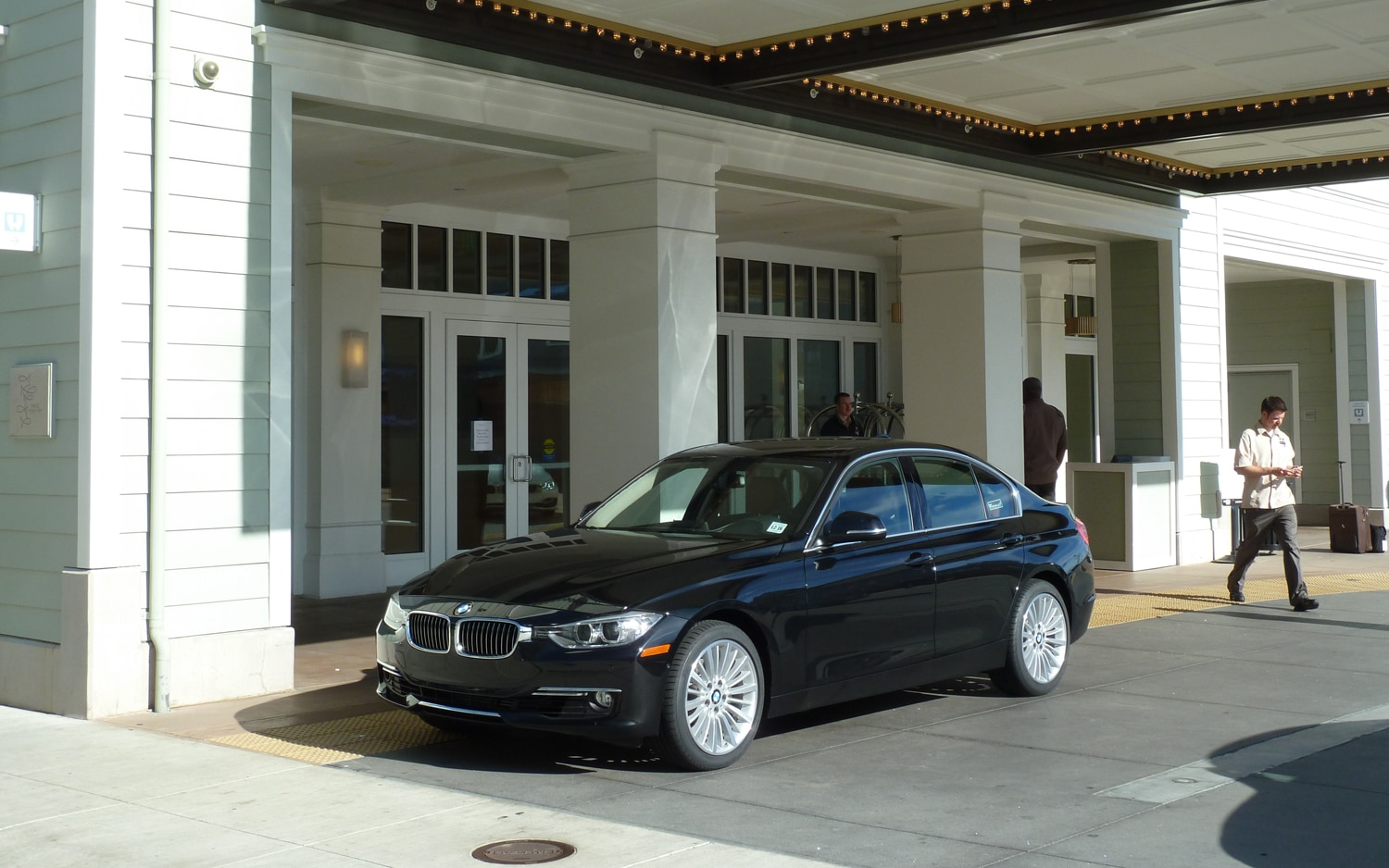 2012 BMW 328i Front Left View1