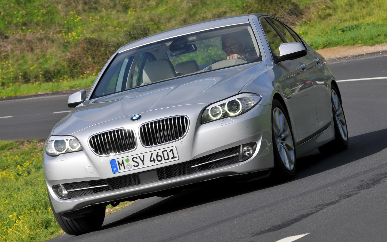 2012 BMW 528i Front1