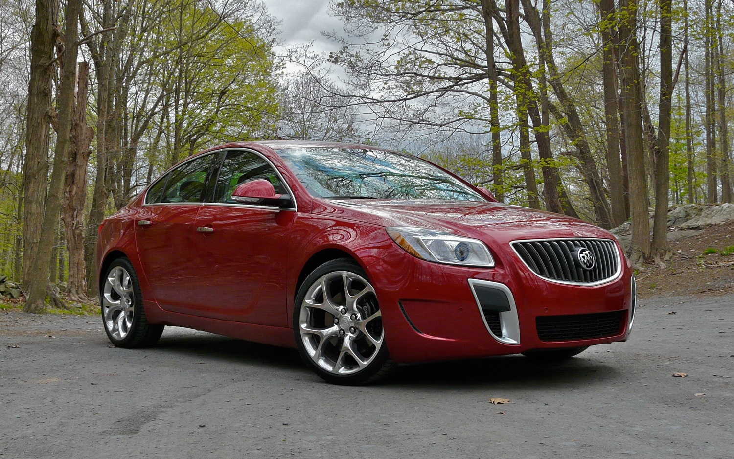 2012 Buick Regal GS Front Right Side View3