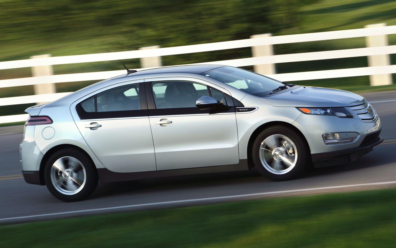 2012 Chevrolet Volt Profile1