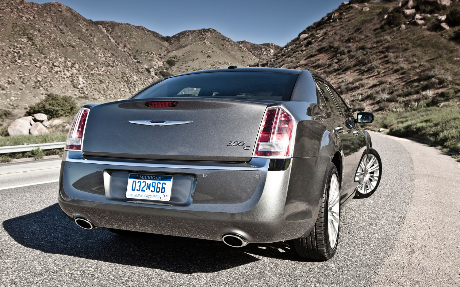 2012 Chrysler 300C Rear1