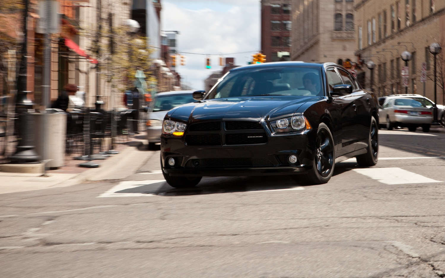 2012 Dodge Charger SXT Plus Front End In Motion1