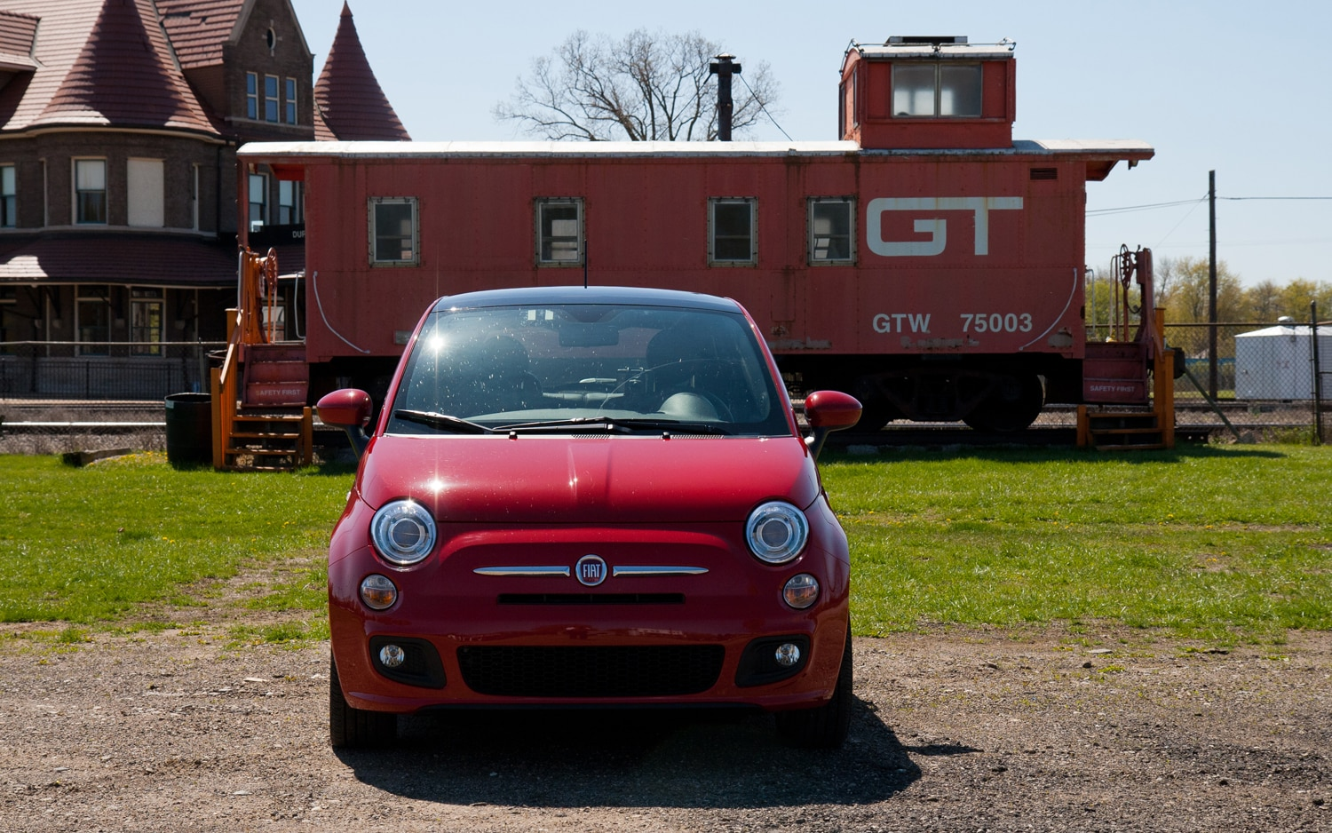 2012 Fiat 500 Sport Front View1
