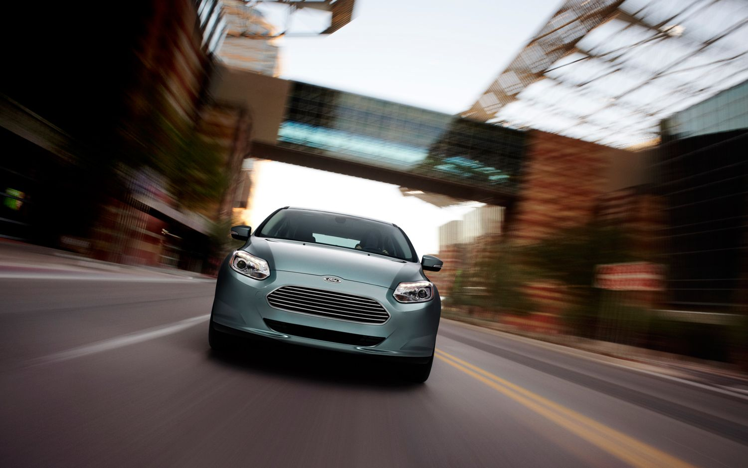 2012 Ford Focus Electric Front View Motion1