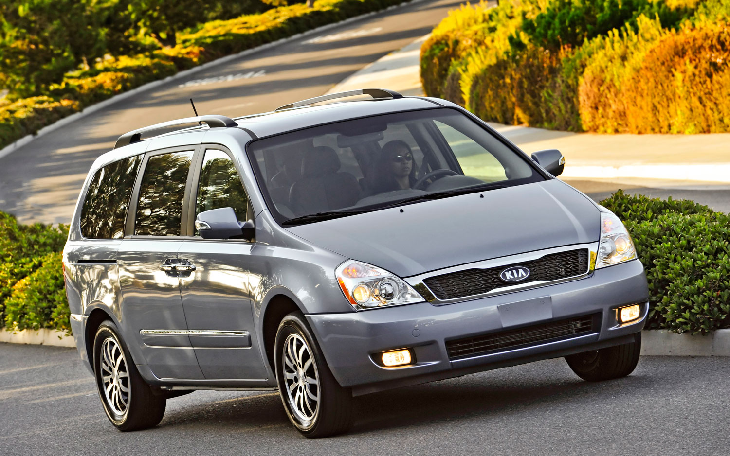 kia sedona axed for 2013 possible replacement in 2014. Black Bedroom Furniture Sets. Home Design Ideas