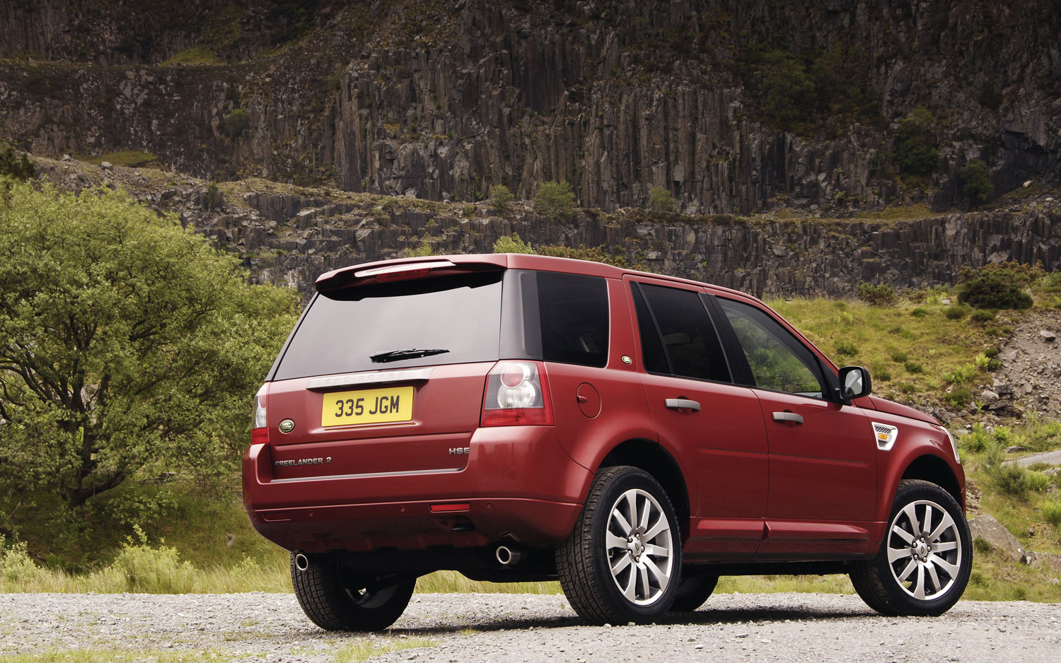 land rover celebrates 300 000 unit milestone for freelander 2. Black Bedroom Furniture Sets. Home Design Ideas