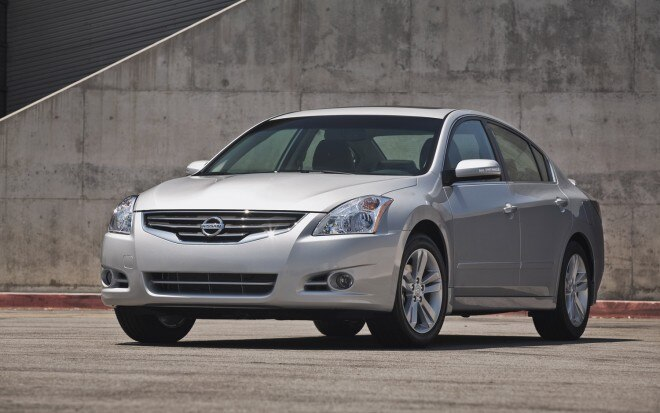 2012 Nissan Altima Front Three Quarter1 660x413