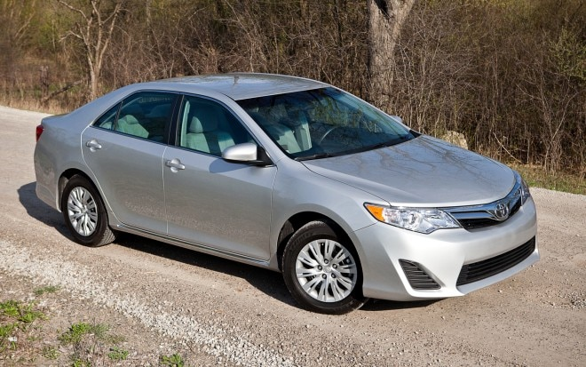 2012 Toyota Camry LE Front Right Side View1 660x413