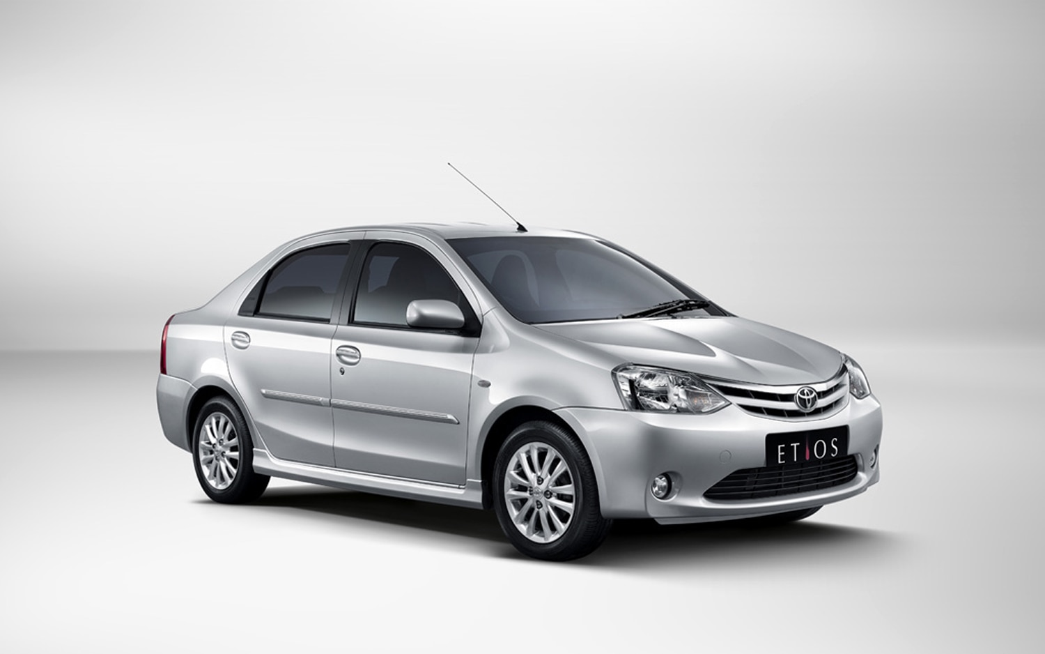 2012 Toyota Etios Front Three Quarter 31