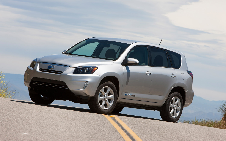 2012 Toyota RAV4 EV Front Three Quarter 21
