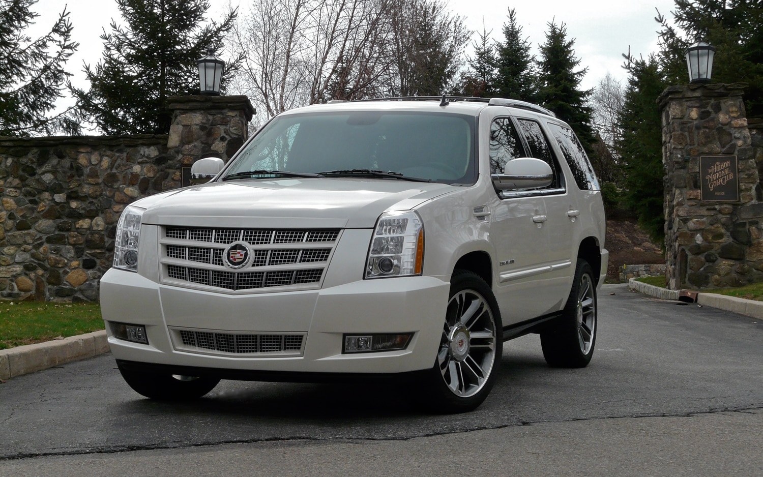 2012 Cadillac Escalade Front Left View1