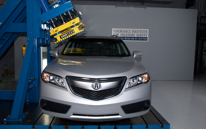 2013 Acura RDX Roof Test1