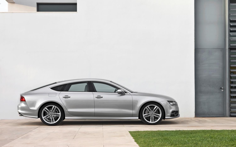 2013 Audi S7 Side