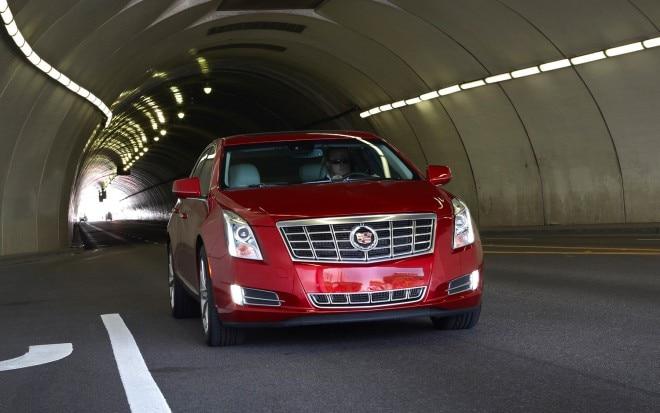 2013 Cadillac XTS Front1 660x413