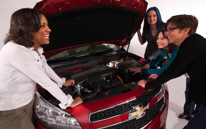 2013 Chevrolet Malibu With Female Engineers 21