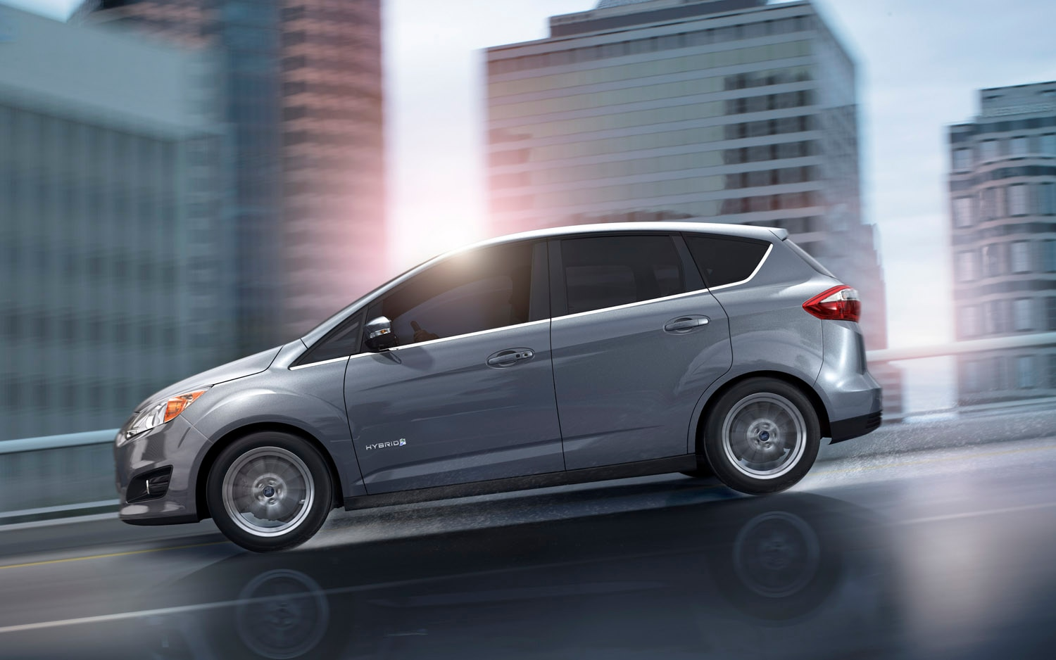 2013 Ford C Max Hybrid Left Side View1
