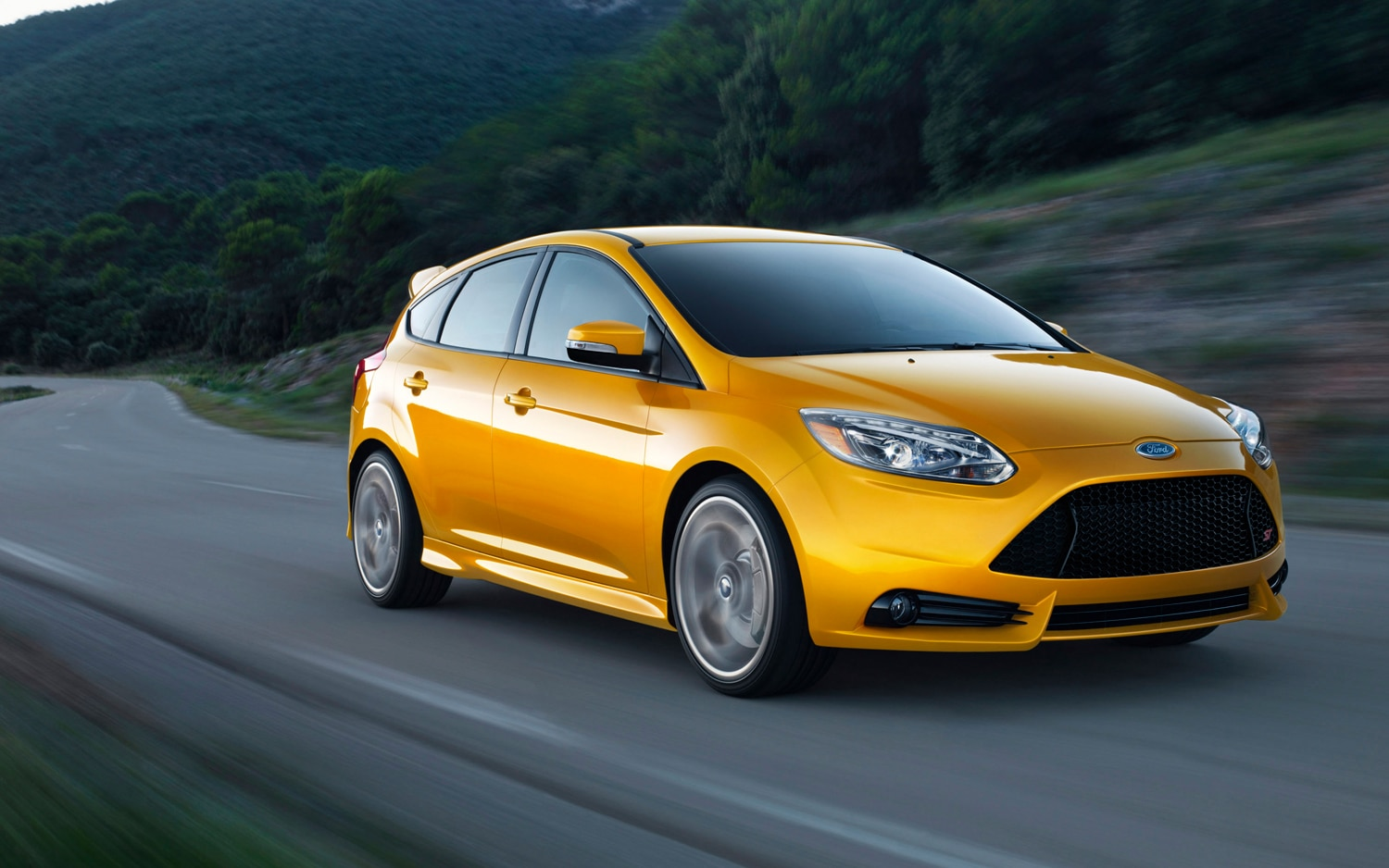 2013 Ford Focus ST Front Three Quarter In Motion1