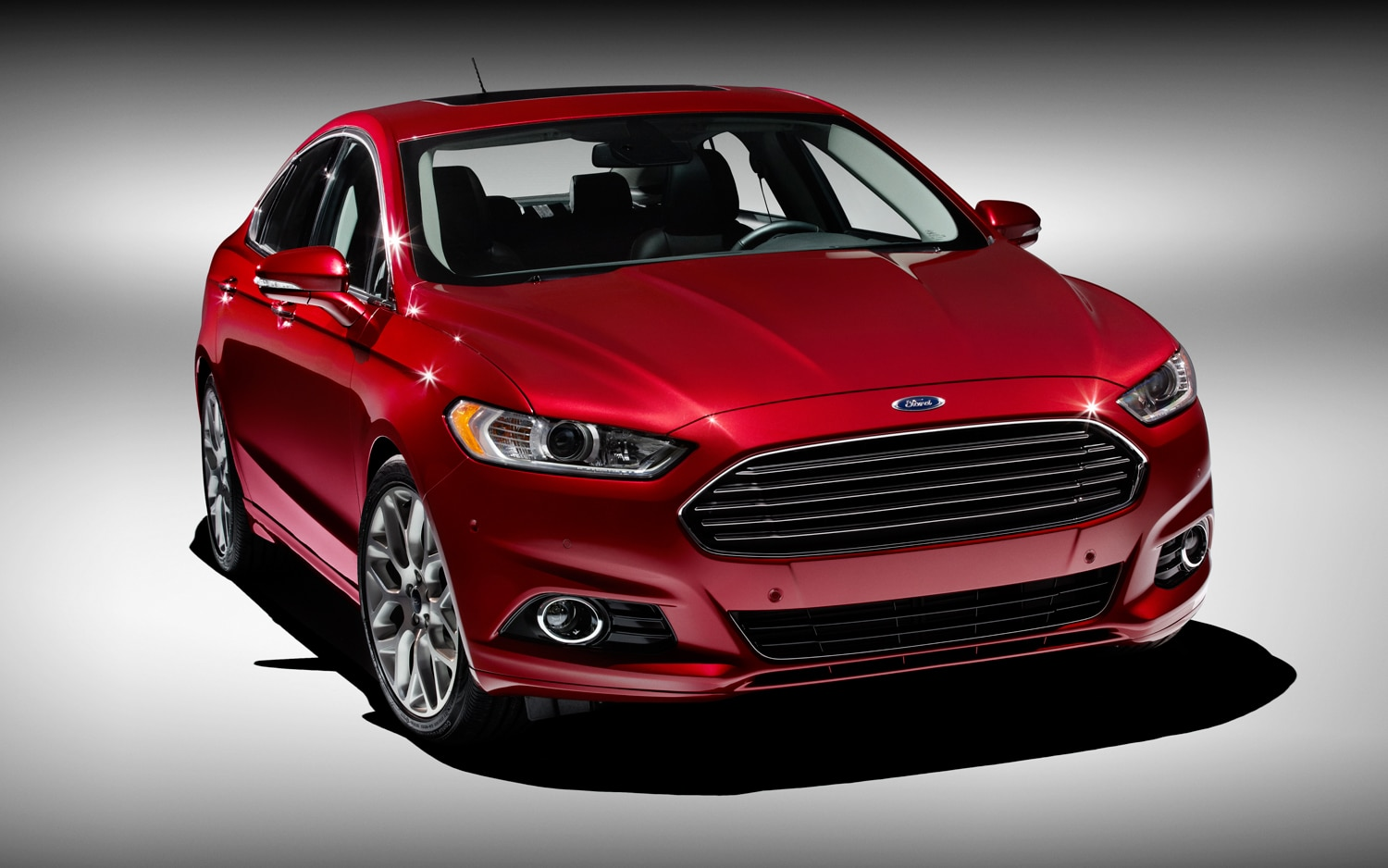 2013 Ford Fusion Front Three Quarter1