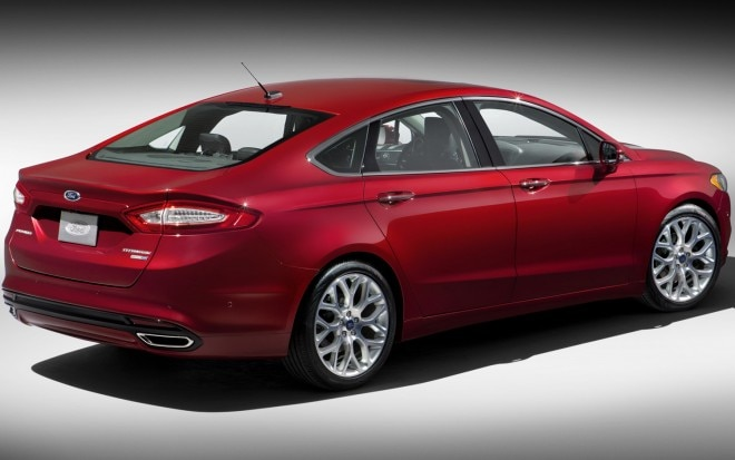 2013 Ford Fusion Rear Three Quarter21 660x413