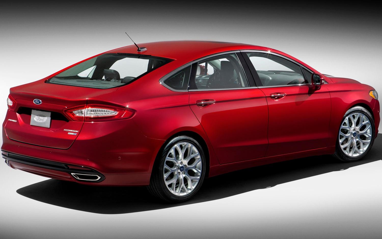 2013 Ford Fusion Rear Three Quarter21
